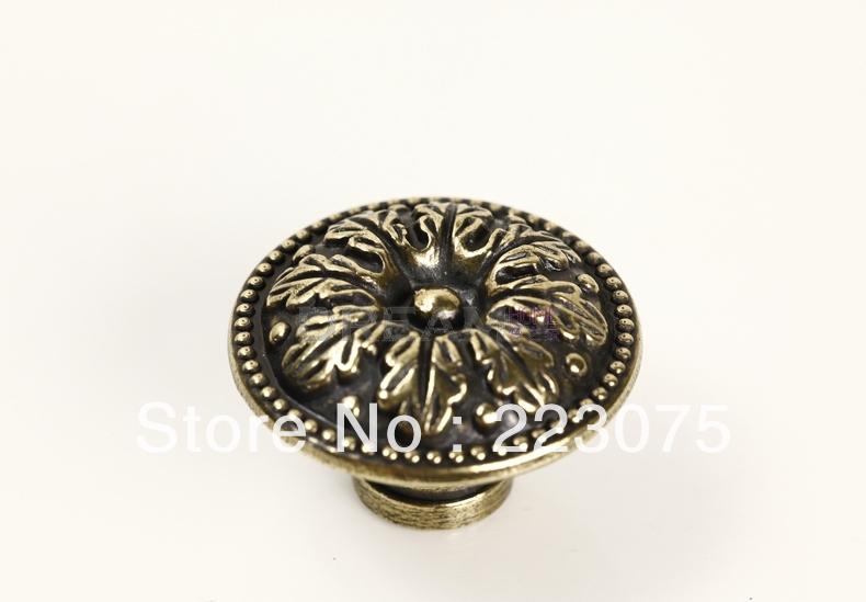 ZH7793 D:35MM W Screw European Luxury Antique Drawer Cabinets Pull Handle  Door Knobs